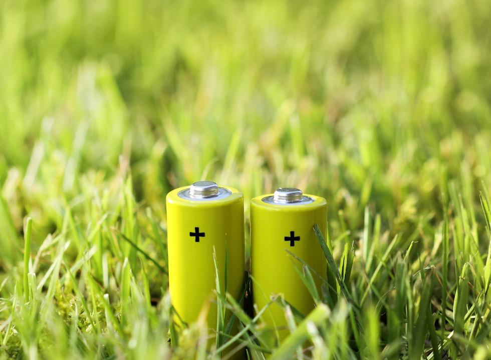 Com fazer o descarte correto de pilhas e baterias usadas?
