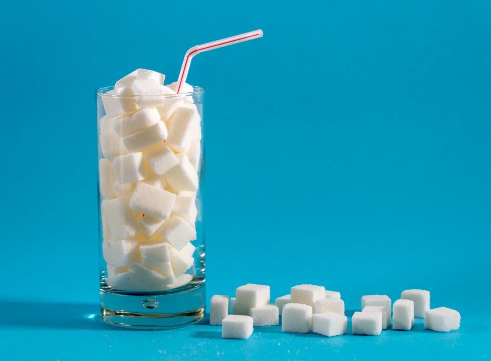 Está na hora de tratarmos o açúcar como lidamos com o tabaco?