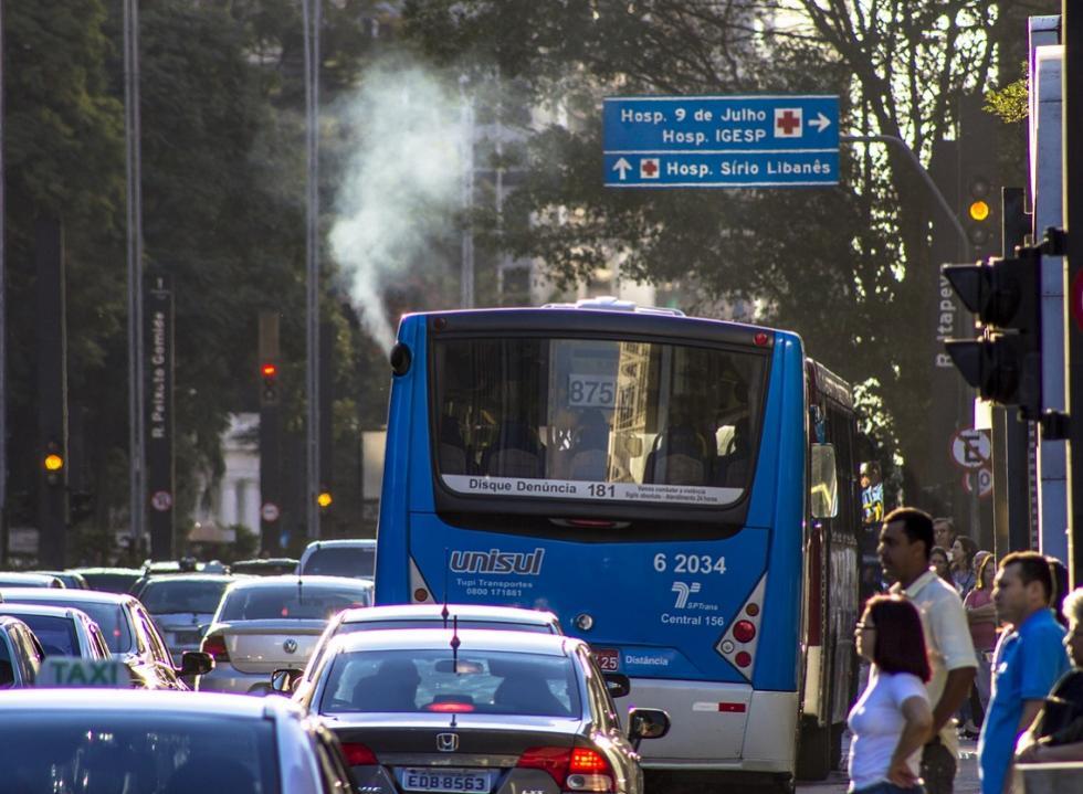Conselho do Meio Ambiente deve decidir prazo de baixar emissões em veículos
