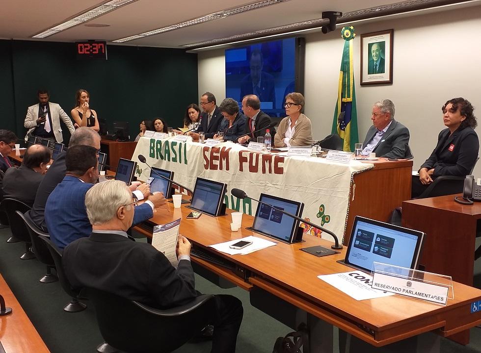 Maioria dos parlamentares apoiou o veto para a recriação do Consea. Foto: Rafael Rioja/Idec