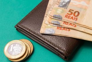 Poupadores relatam dificuldades em ressarcimento de planos econômicos