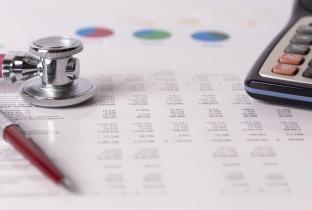 Planos de saúde individuais subiram 382% desde 2000, acima da inflação