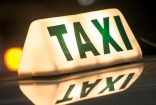 Na era dos aplicativos, SP ainda tem 51 kms de vagas em pontos de táxis