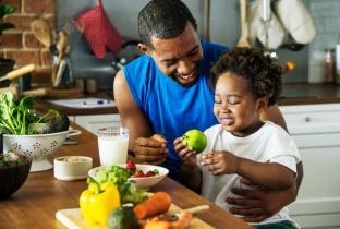Incentivo à alimentação saudável gera economia em saúde, diz estudo